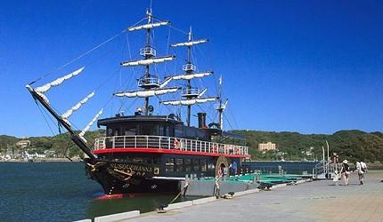 搭乘「黑船游览船」游下田港