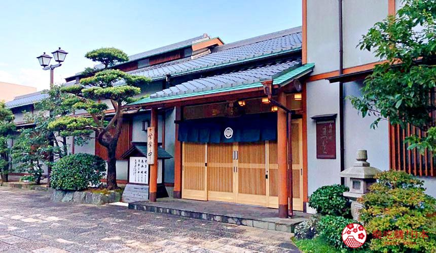 日本三重顶级松阪和牛烧肉、寿喜烧推荐「肉料理まつむら」店门口