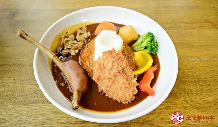 静冈景点亲子游推荐富士野生动物园的餐厅内富士山咖喱